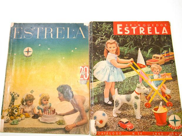 Catálogo antigo mostra primeiras linhas de bonecas da Estrela. (Foto: Flavio Moraes/G1)