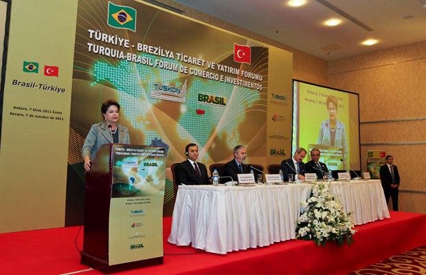 Presidente Dilma discursa em evento empresarial na Turquia (Foto: Roberto Stuckert Filho / Presidência)