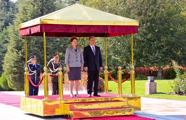 DIlma com o presidente turco Abdullah Gül (Foto: Roberto Stuckert Filho / Presidência)