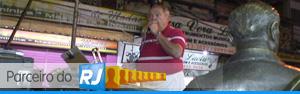 Parceiro do RJ visita espaço de serestas  (Reprodução/TV Globo)