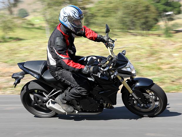 CB 1000R tem duas versões: standard (R$ 37,8 mil) e C-ABS (R$ 40,8 mil) (Foto: Divulgação)