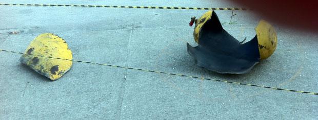 Cilindro de gás foi parar a 300 metros do posto de gasolina com a força da explosão (Foto: Renata Soares/G1)