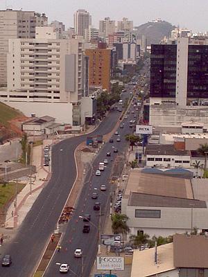 Reta da Penha, principal avenida de Vitória, ganha curva e gera discussão (Foto: Bruno Faustino)