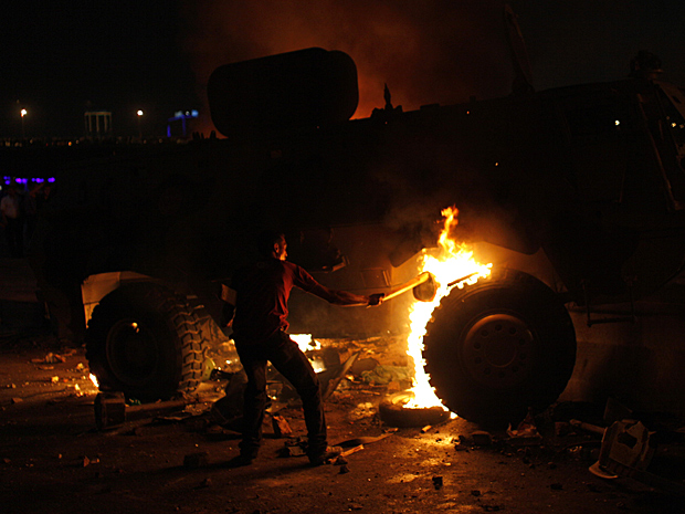 Egito protestos2 (Foto: Nasser Nasser/AP)
