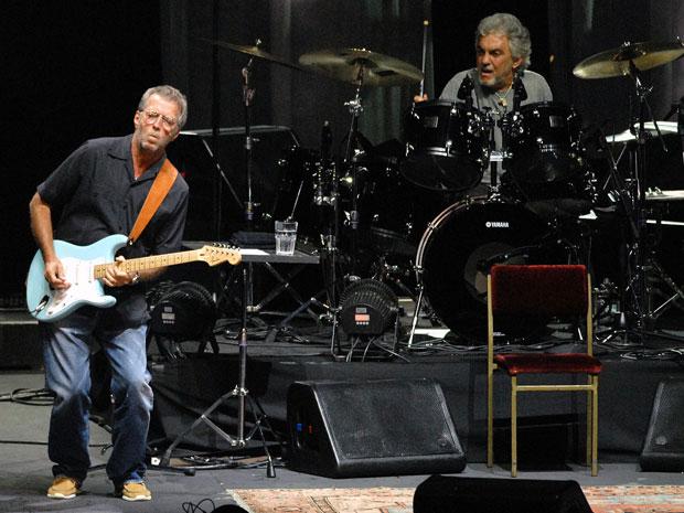 Eric Clapton mostra sua habilidade com a guitarra  (Foto: Alexandre Durão/G1)
