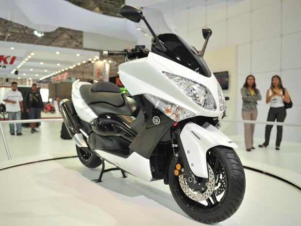 Yamaha T-Max está equipado com motor de dois cilindros e atinge 43,5 cv (Foto: Raul Zito/ G1)