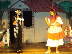 'Casamento de Dona Baratinha' é encenado no sábado e no domingo (15 e 16) (Foto: Divulgação)