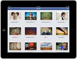 Álbuns do Facebook no aplicativo da rede social para o iPad (Foto: Divulgação)