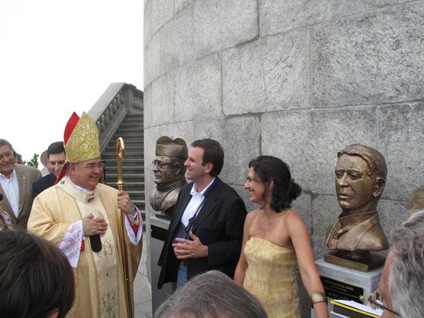 Bustos inaugurados no Cristo Redentor (Foto: Carolina Lauriano / G1)