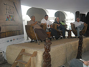 Autores debatem mudanças didáticas para tornar literatura atrativa na escola (Foto: Lílian Marques/G1)