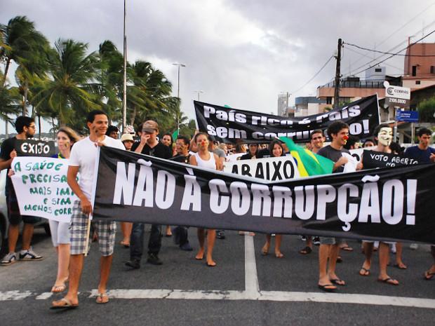Caminhada marca Marcha Contra a Corrupção em João Pessoa (Foto: Kleide Teixeira/G1 PB)