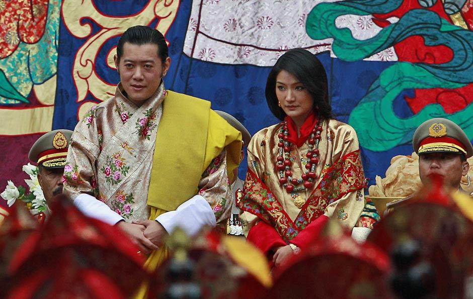 Rei do Butão, Jigme Khesar Wangchuk, durante cerimônia de casamento com a plebeia Jetsun Pema.