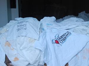 Lixo hospitalar apreendido em contêiner em Suape (Foto: Katherine Coutinho / G1)