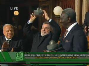 Lula recebe World Food Prize, em Des Moines (Iowa, EUA) (Foto: Reprodução/Iowa Public Television)