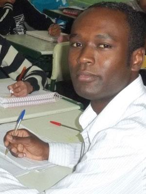 João Ailton em sala de aula, em escola estadual de Diadema (Foto: Arquivo pessoal)