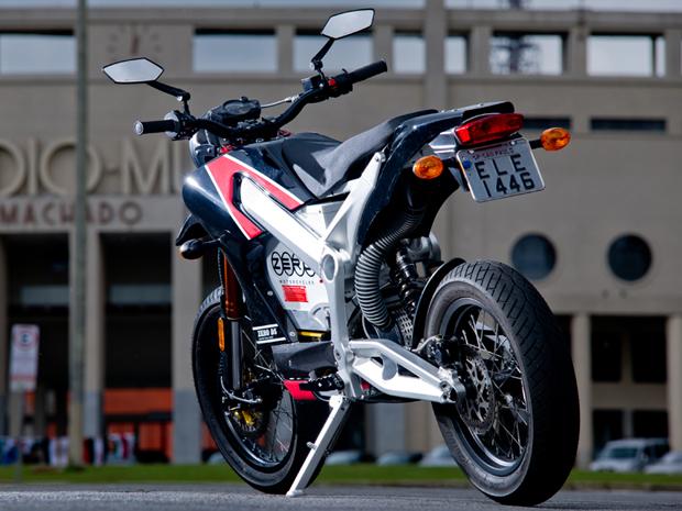 Zero DS atinge velocidade máxima de 105 km/h (Foto: Raul Zito/ G1)