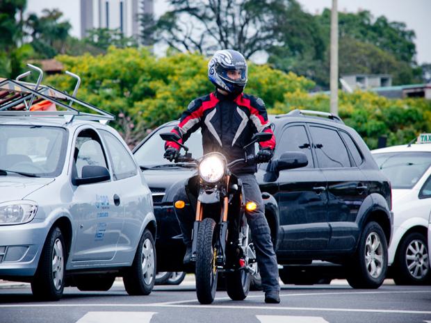 Marca divulga autonomia de até 80 km para a Zero DS (Foto: Raul Zito/ G1)