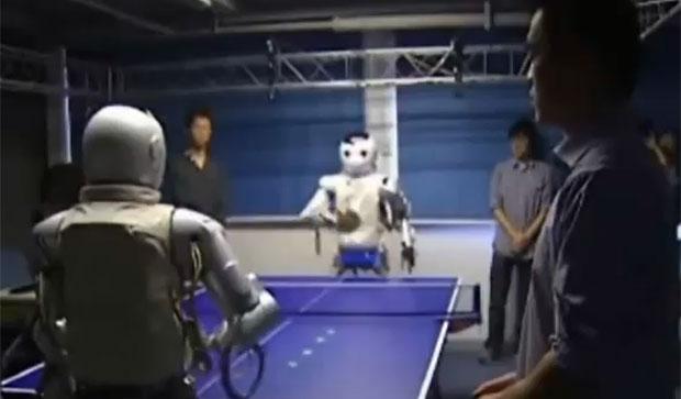 sem titulo 2  Robôs chineses jogam tênis de mesa um contra o outro e contra humanos