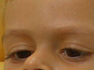 Burocracia impede menino de receber tratamento contra câncer raro em MS (Foto: Reprodução/TV Morena)