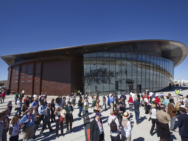 Hangar do Spaceport America, da Virgin Galactic (Foto: Matt York/AP Photo)