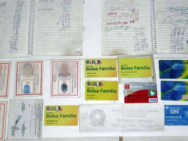 Polícia Civil encontrou cartões do Bolsa Família e identidades de mais de 15 índios (Foto: Divulgação/PC)