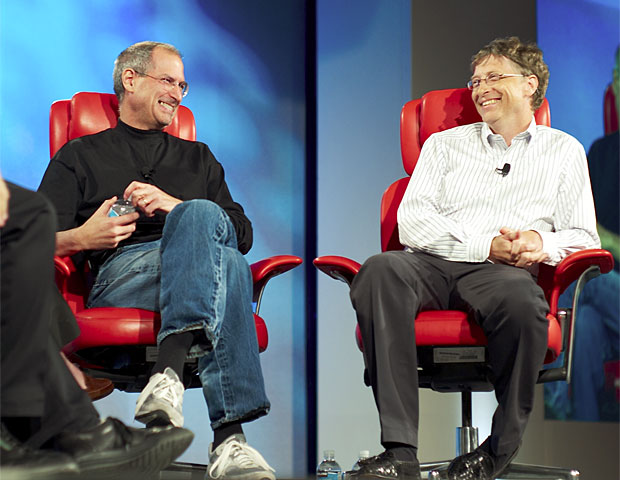 Steve Jobs e BIll Gates, juntos em encontro promovido pelo site All Things Digital em 2007 (Foto: Joi Ito/Creative Commons)