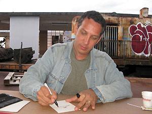 O quadrinista Peter Kuper na Rio Comicon (Foto: Henrique Porto/G1)