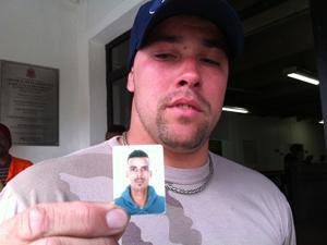 Parente de vítima de Hilux (Foto: Kleber Tomaz / G1)
