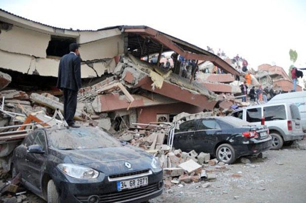 000 par6608360 Número de mortes por terremoto na Turquia chega a 264, diz governo
