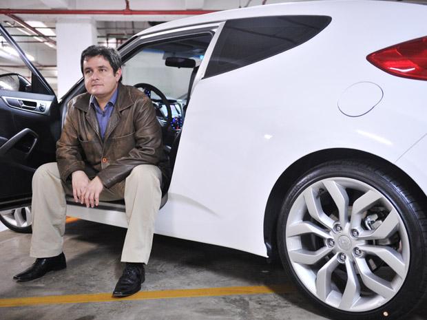 carro branco adesivo (Foto: Raul Zitto/G1)