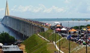 Ponte Rio Negro liga Manaus a quatro municípios (Foto: Carlos Eduardo Matos/G1)