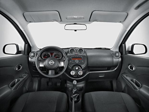 Sedã conta com airbag duplo e direção com assistência elétrica (Foto: Divulgação)