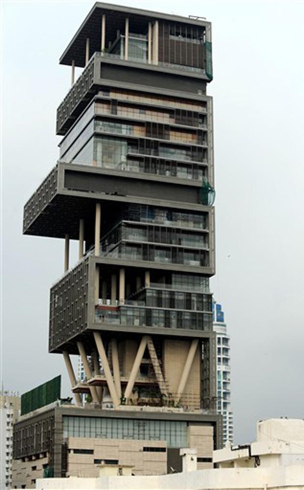 Mansão vertical tem 27 andares tem mais de 37 mil metros quadrados. (Foto: AFP)
