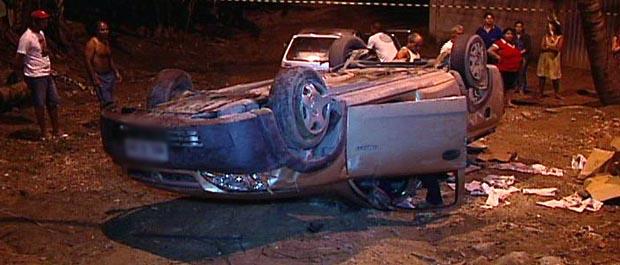 Moradores de Colina das Laranjeiras ficaram assustados com o acidente. (Foto: Reprodução/TV Gazeta)