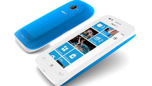 O Lumia 710 é um celular com Windows Phone mais acessível, segundo a Nokia (Foto: Divulgação)