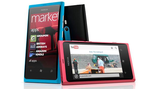 O Lumia 800 é o aparelho top de linha da Nokia com Windows Phone (Foto: Divulgação)