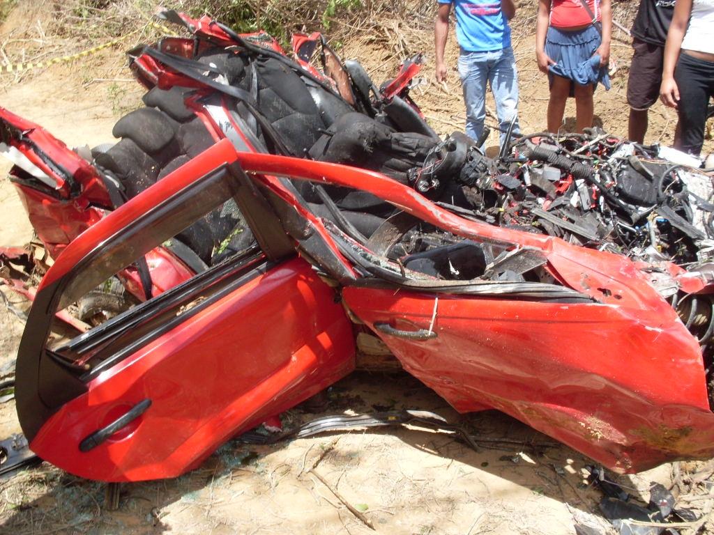 quatro pessoas morrem em acidente na Bahia (Foto: Divulgação/PRF)