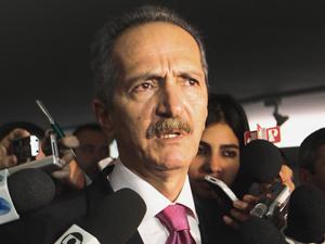 Aldo Rebelo disse que, como ministro, não tem atribuição de rever Lei da Copa (Foto: Gustavo Lima/Agência Câmara)