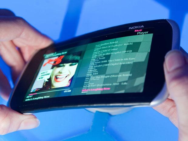Protótipo de aparelho da Nokia tem tela dobrável (Foto: Divulgação)