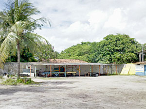 Vigilante é morto na garagem da Secretaria de Obras de Itapissuma (Foto: Kety Marinho/TV Globo)