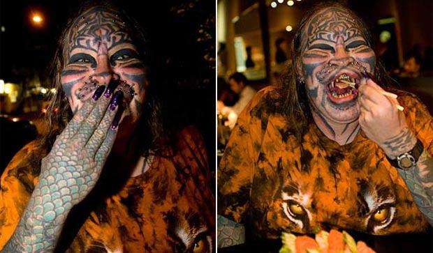 O americano Dennis Avner, de 53 anos, é conhecido como 'homem-gato' e 'homem-tigre'. Ele começou a modificação extrema do corpo aos 23 anos. (Foto: Flavio Moraes/G1)
