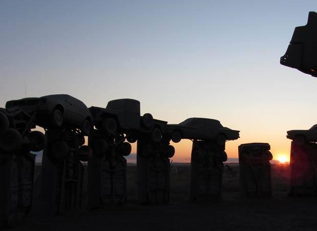 'Carhenge' é considerada uma das atrações mais excêntricas do mundo. (Foto: Reuters)