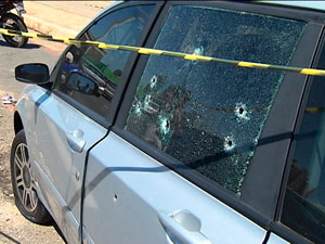 Man shot dead in his car in Salvador. Robbery of Federal Policeman resulted in shooting.