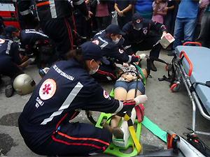 Atendimento do Samu durante acidente em Campina Grande (PB) (Foto: Divulgação/Codecom-PMCG)