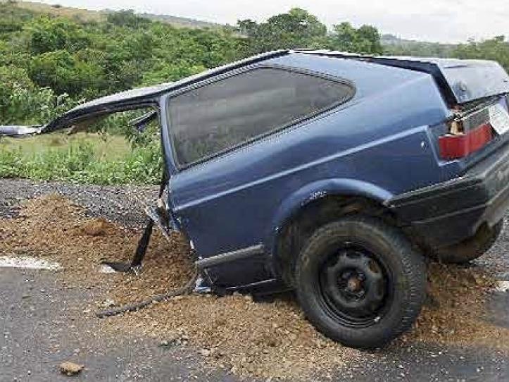 Acidente em Araxá (Foto: Polícia Rodoviária)