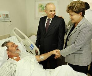 Após visita, Dilma diz que Lula  falou baixo e poupou a voz (Ricardo Stuckert / Divulgação / Instituto Lula)