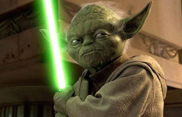 Motorista fantasiado de 'mestre Yoda' foi preso após se envolver em acidente. (Foto: Reprodução)