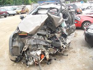 Carro acidentado 1 (Foto: Divulgação Arquivo pessoal)