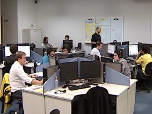 Empresa de TI investe dinheiro no funcionário (Foto: Reprodução TV Integração)
