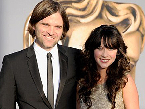 Ben Sheppard e Zooey Deschannel, no bafta 2011 (Foto: AFP)